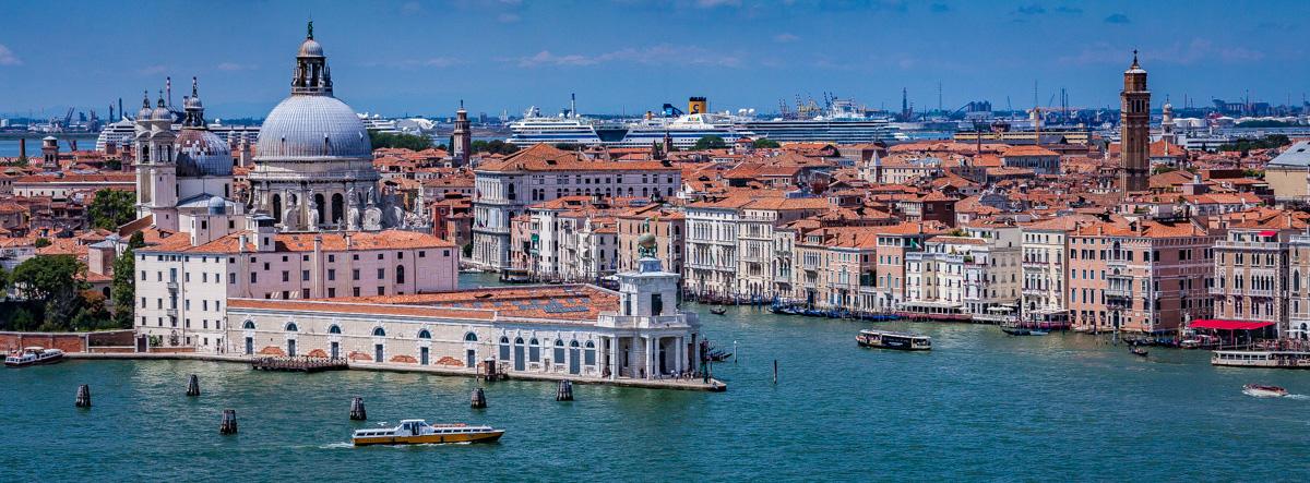 "<b style=""color: darkslategray"">Sonderführungen:</b><br><b>Venedig</b> 1"