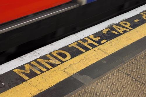 "<b style=""color: darkslategray"">Sonderführungen:</b><br><b>London & Crossrail</b> 1"