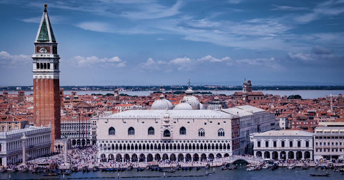 "<b style=""color: darkslategray"">Sonderführungen:</b><br><b>Venedig</b> 3"